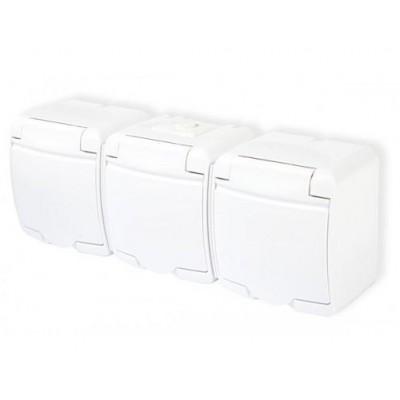 Zásuvka trojitá, vodotesná, nástenná, biela, IP44